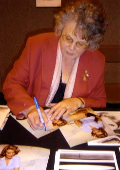 "Mollie Peters "" Patricia in Thunderball "" Signing for Writestuff Autographs of Lancaster."