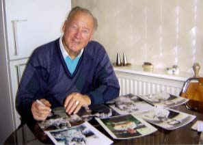 "Nat Lofthouse "" Bolton Wanderers and England "" Signing for Writestuff Autographs of Lancaster"