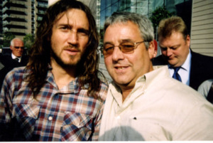 "John Frusciante "" Red Hot Chili Peppers "" with Ken Mills of Writestuff Autographs"
