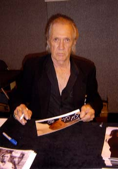 "David Carradine "" King Fu and Kill Bill "" Signing for Writestuff Autographs of Lancaster."