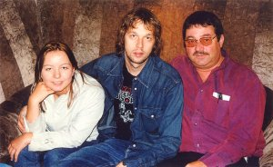 Andy Bell (Oasis) with Ken and Rachel Mills